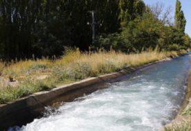 Trabajos para garantizar el agua en chacras de la zona