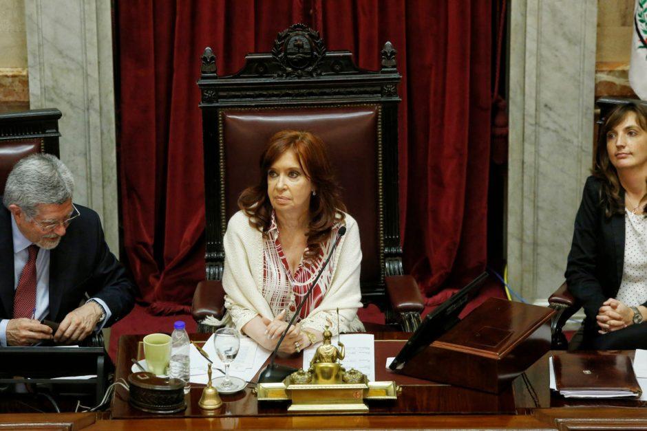 """Fuerte cruce entre Cristina Kirchner y los legisladores de la oposición durante la sesión por Ganancias: """"Ustedes se comportan como barrabravas"""""""