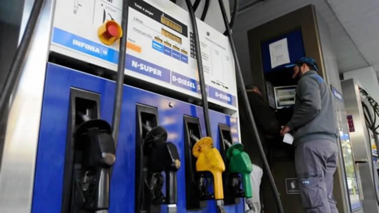 La venta de combustibles no repunta y los dueños de estaciones de servicio piden acceder al Repro como sector crítico