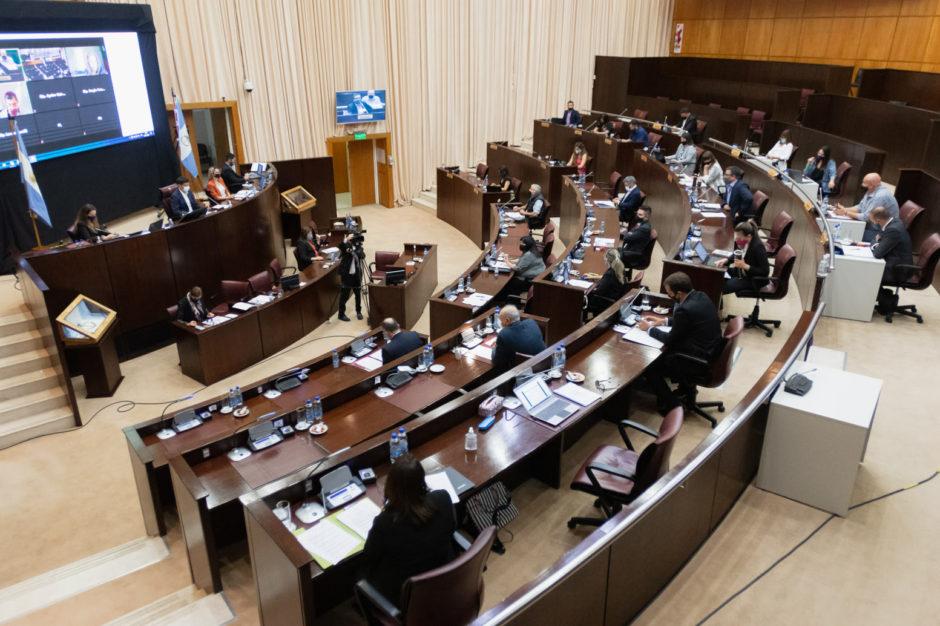 El gobierno de Neuquén enviará a la legislatura un proyecto que autorice endeudarse para pagar el aumento propuesto a ATE