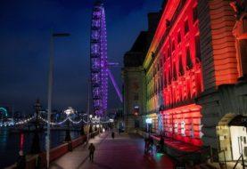 París y Londres reciben el Año Nuevo encerrados y en alerta por el avance del coronavirus
