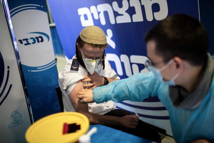 Expertos aseguran que Israel ya podría haber alcanzado la inmunidad de rebaño contra el coronavirus
