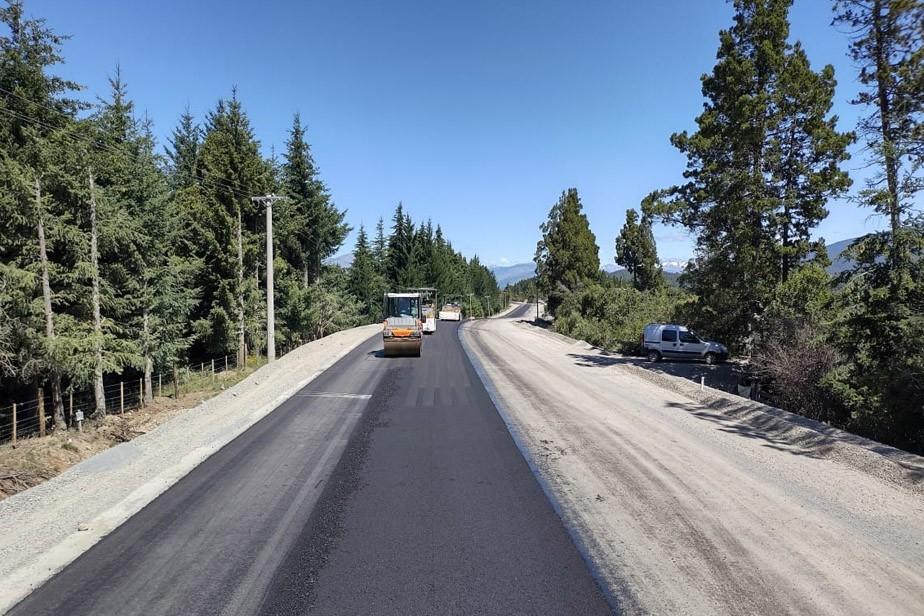 La pavimentación en Mallín Ahogado superó el 90% de avance