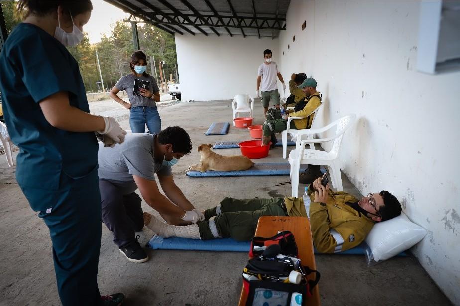Novedoso servicio de asistencia le permite a los brigadistas prevenir lesiones y recuperar energía