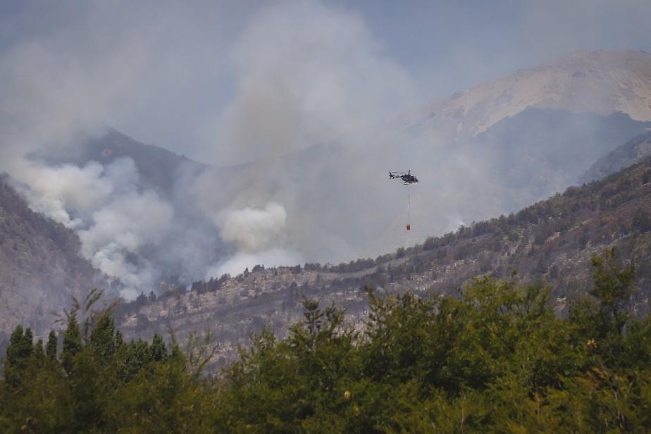 El Bolsón: se desarrollan las tareas para el control total del incendio