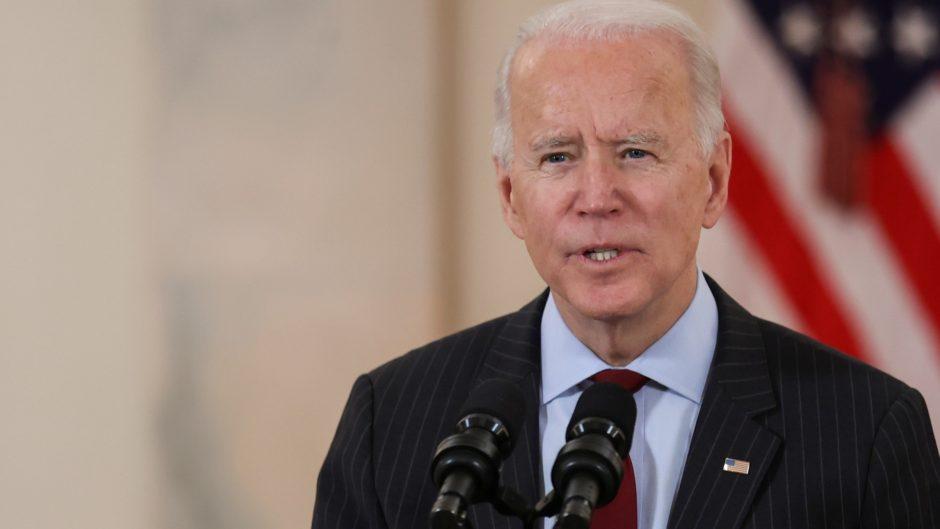 """Joe Biden prometió """"asistencia de emergencia"""" a India para contener la fuerte propagación del coronavirus"""