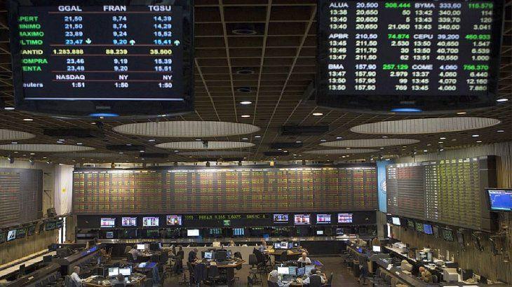 Mercados: la Bolsa retoma el alza después del exitoso canje de deuda de YPF