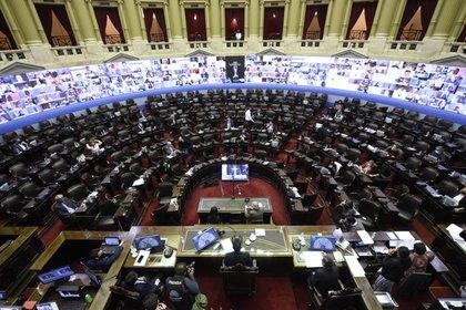 Con apoyo de la oposición, se aprobó la ley que obliga al Ejecutivo que el acuerdo con el FMI pase por el Congreso