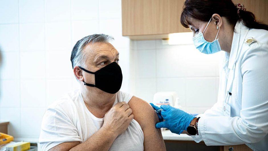El premier húngaro se vacunó con la dosis china Sinopharm