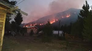 Avance del fuego: El Bolsón diseña un plan de evacuación