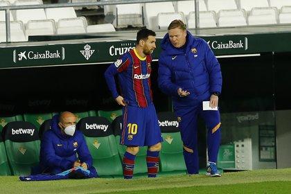 Explosiva conferencia de prensa de Koeman por las versiones en torno al futuro de Lionel Messi