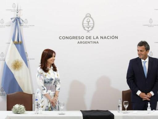 Cristina coquetea con Massa y Larreta ya tiene economista para su plan presidencial