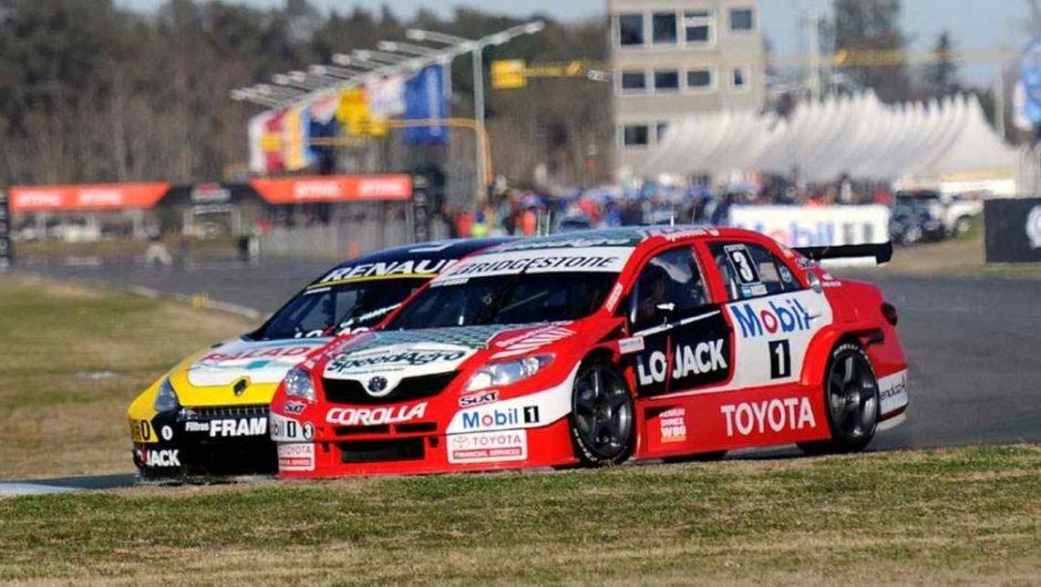 Super TC2000: Matias Rossi se quedó con el título y Agustín Canapino con la carrera