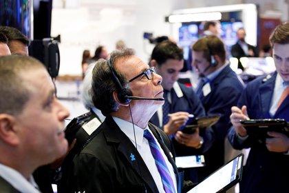 Mercados: caen las acciones argentinas en el exterior, ante la toma de ganancias en Wall Street