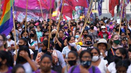 """""""Por Úrsula, por todes"""": miles de personas se manifestaron en Neuquén y el resto del país  para reclamar justicia y el fin de los femicidios"""