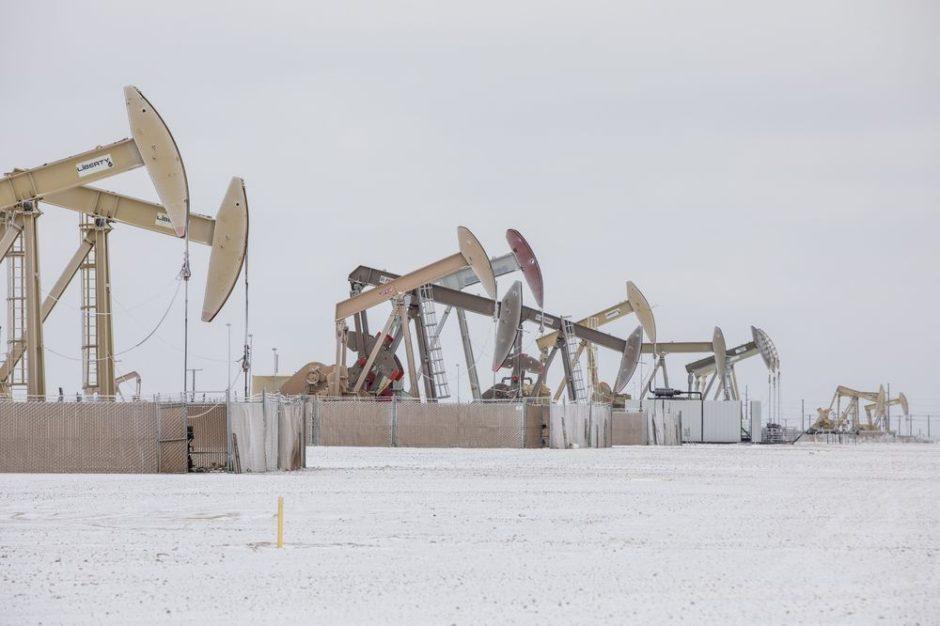 Claves de la crisis energética en EE.UU.: millones sin electricidad y yacimientos paralizados por el frío