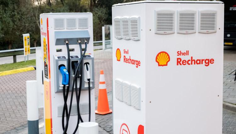 Advierten que la falta de surtidores eléctricos es la principal causa del desinterés del público por los autos a batería