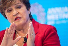 La directora del FMI dijo que el organismo analizará la propuesta de modificar los sobrecargos a las tasas que cobra a la Argentina