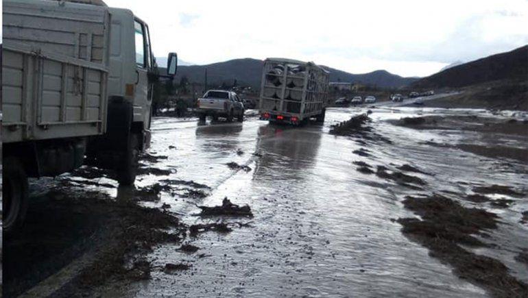 Una fuerte tormenta provocó inundaciones y corte de ruta en Chos Malal