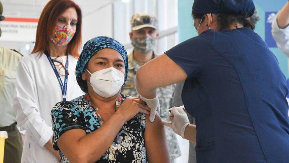Chile: el país transandino se convirtió en el líder regional de vacunación masiva y eficiente de América Latina