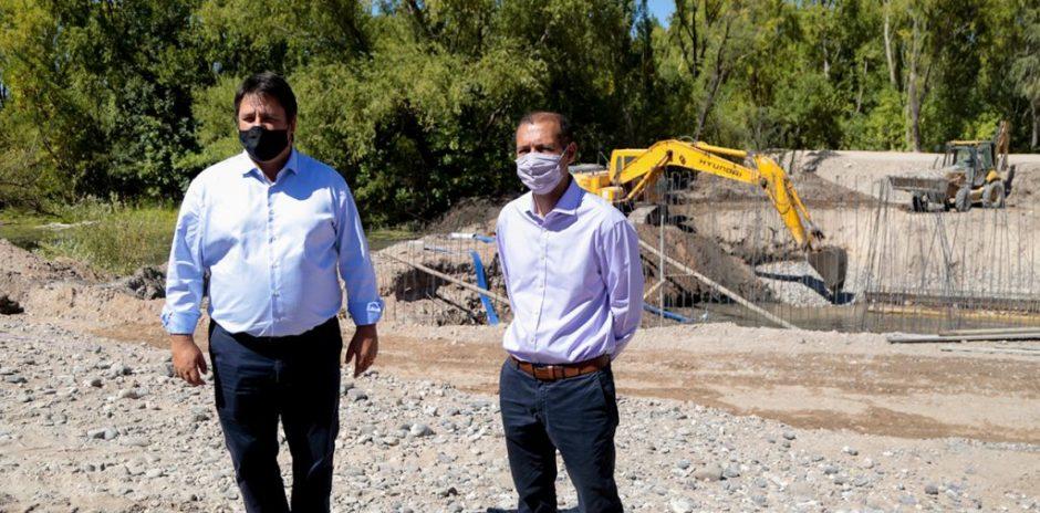 Avanzan las obras del paseo costero del río Limay