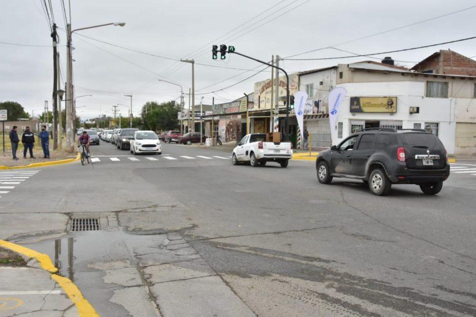 Nuevo semáforo en una zona de alto tránsito del oeste de la ciudad capital