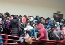 Bolivia: Cedió una baranda en una universidad y murieron al menos siete estudiantes - Video -