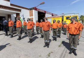 Emotivo homenaje a los Bomberos de la Policía por su trabajo en el incendio de El Bolsón