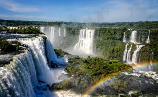 Crisis del turismo: Misiones pedirá que no cancelen el feriado puente del 24 de mayo