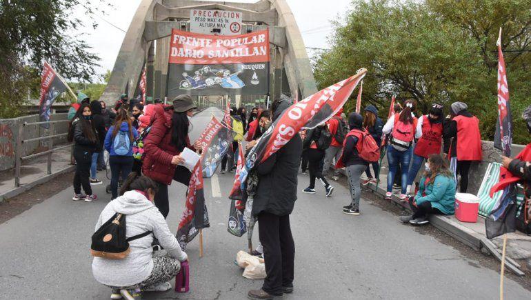 Suspendieron el nuevo acampe y el corte en los Puentes ante una convocatoria del Gobierno de Neuquén