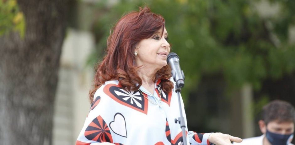 """Cristina Kirchner calificó el fallo de la Corte Suprema por las clases presenciales como """"un golpe contra las instituciones"""""""