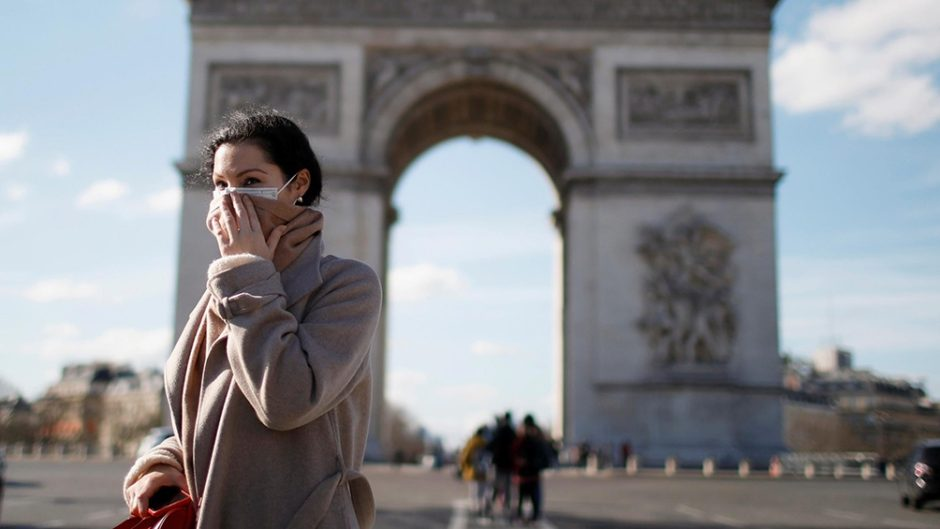 El nuevo confinamiento por el rebrote de coronavirus causa un éxodo masivo en París