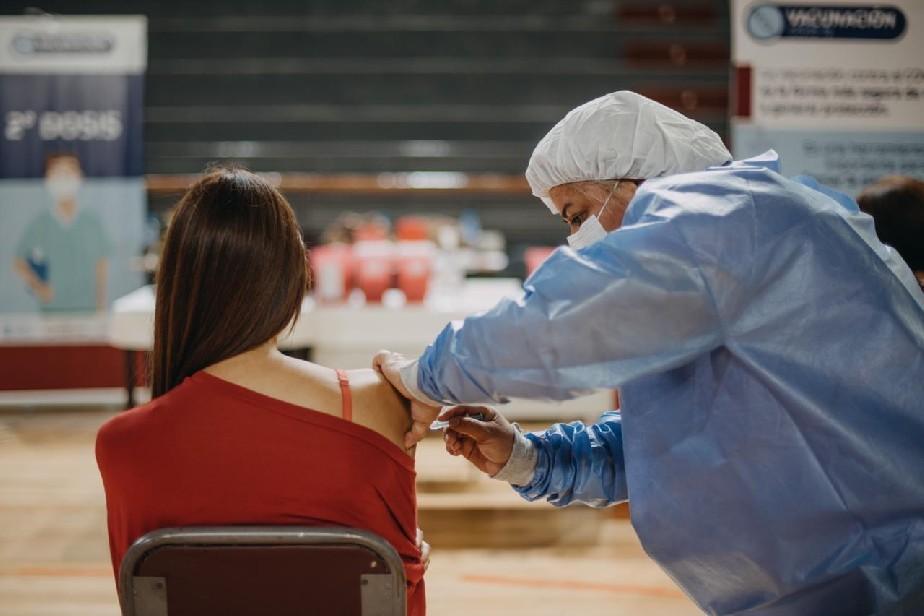 La Gobernadora confirmó la llegada de otras 8.400 vacunas de Sinopharm