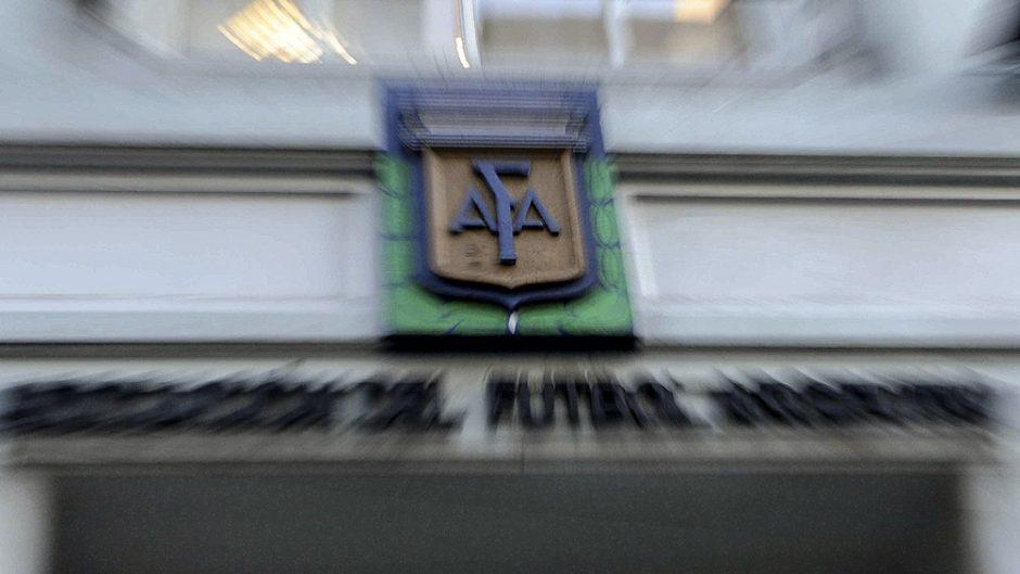 La AFA endurece restricciones y controles por la gran cantidad de casos en el fútbol