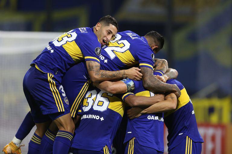 Boca logró su segundo triunfo consecutivo en la Copa Libertadores: superó 2-0 al Santos en la Bombonera
