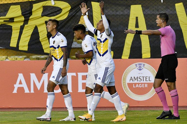 Boca ganó 1 a 0 en la altura de La Paz a The Strongest en su debut en la Copa Libertadores