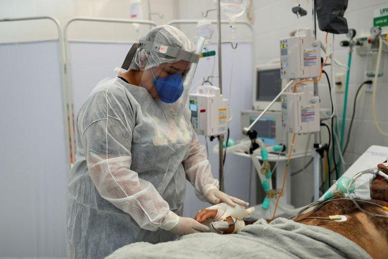 Brasil se acerca a los 400.000 muertos por coronavirus tras registrar 3.163 en las últimas 24 horas