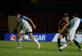 El clásico de La Plata terminó sin goles y en Santa Fe, Colón y Godoy Cruz jugaron un partidazo