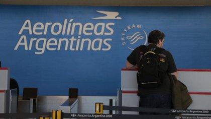 Por un brote de coronavirus, Aerolíneas Argentinas traslada 14 vuelos de Aeroparque a Ezeiza