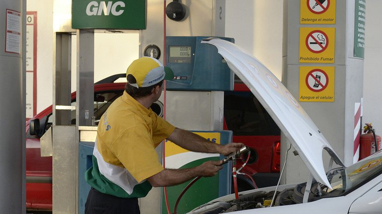 Desde este sábado, el precio del GNC aumentará un 30 por ciento en todo el país