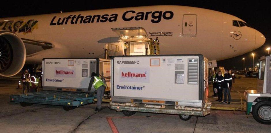 Llegó un vuelo de Lufthansa con casi 245 mil vacunas Sinopharm contra el coronavirus