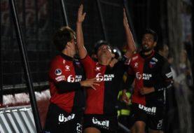 Newell's logró un valioso empate en Brasil y Rosario Central cayó en Paraguay en el debut de ambos en la Copa Sudamericana