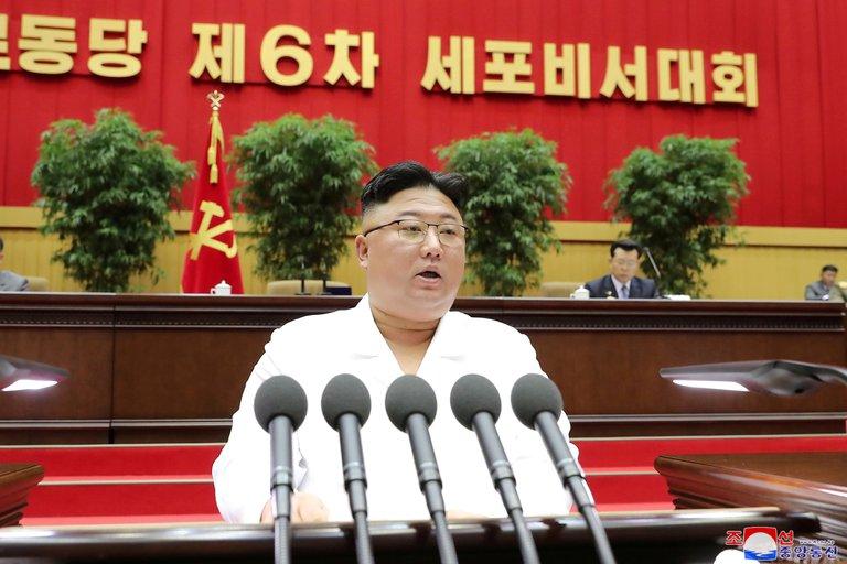 """Kim Jong-un dijo que Corea del Norte enfrenta la """"peor situación de su historia"""""""