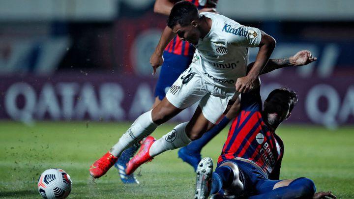 San Lorenzo fue superado por Santos