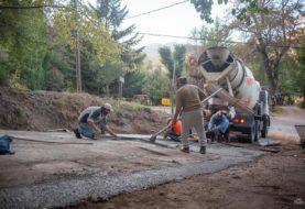 San Martín: rabajos de mejoramiento de la calle Los Pañiles, para contener el desplazamiento de ripio hacia Perito Moreno