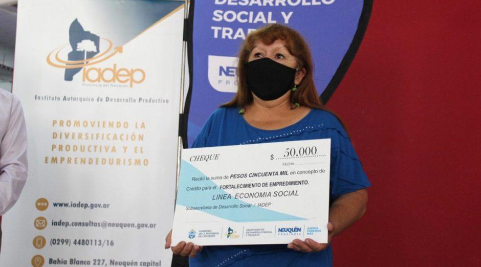 Nueva entrega de microcréditos para emprendimientos de la economía social