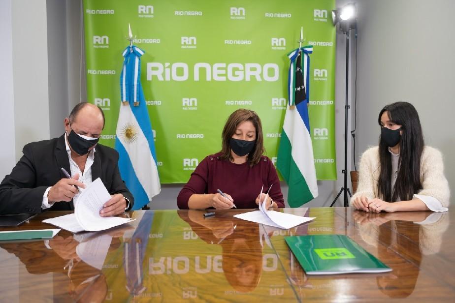 Género: comenzó la firma de convenios para el trabajo coordinado entre la Provincia y los Municipios