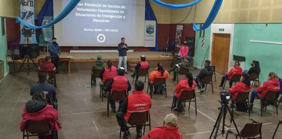 Capacitación en Gestión de Voluntarios Espontáneos y Riesgo Volcánico