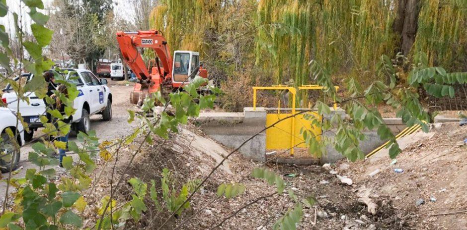 Comenzaron los trabajos de limpieza y mantenimiento en los sistemas de riego