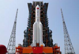 EN VIVO: el cohete chino fuera de control se aproxima a la Tierra y no se sabe dónde impactará